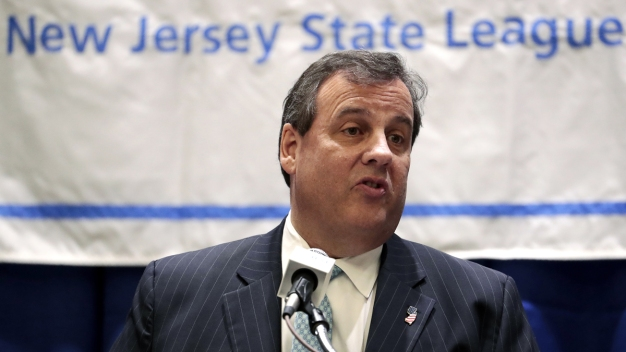 Gov. Chris Christie Approval Ratings Shrink