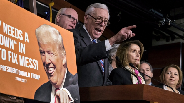 Democrats, GOP Try to Dodge Blame for Shuttered Government