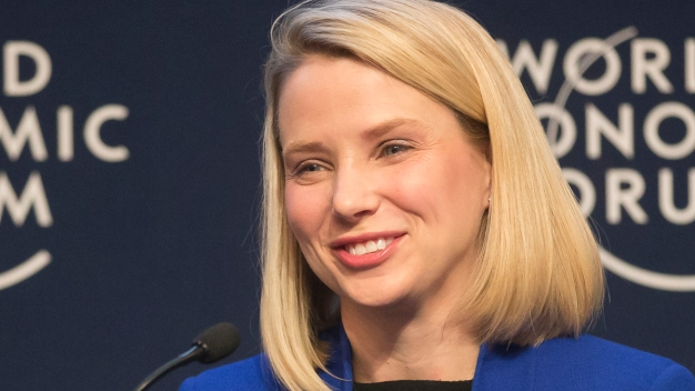Yahoo Chief Mayer Says She's Pregnant With Twins