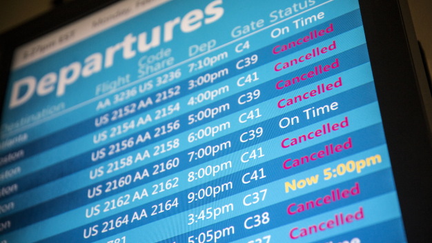 Nearly 1,000 Chicago Flights Cancelled as Winter Blast Rolls East