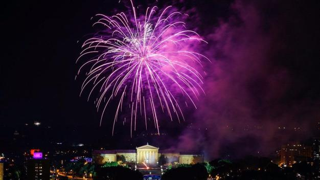 Philly Celebrates July 4th With Pitbull and Fireworks
