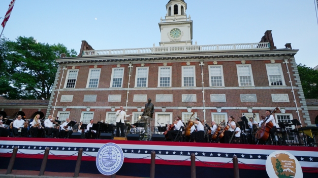 Philly POPS Perform at Independence Hall