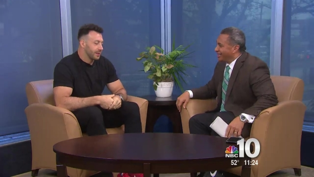 Eagles Connor Barwin Strive to Make the World Better