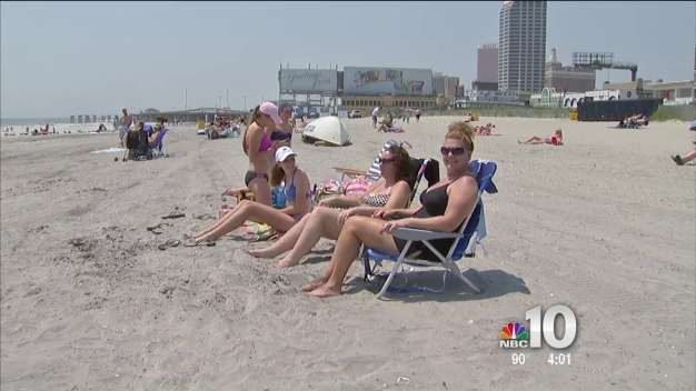 Crowds Starting to Swell at Atlantic City Boardwalk