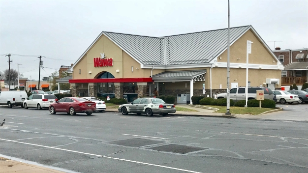 Philly Man Escapes Masked Gunmen, Runs to Wawa For Help