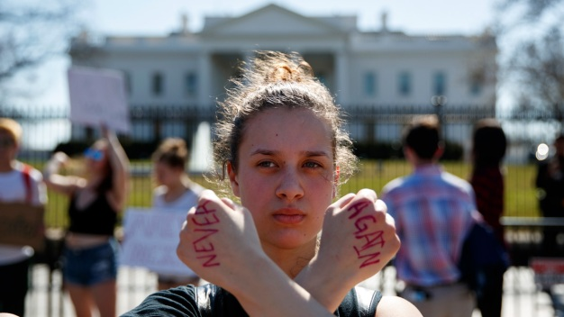 Students Across US Stage Walkouts to Protest Gun Violence