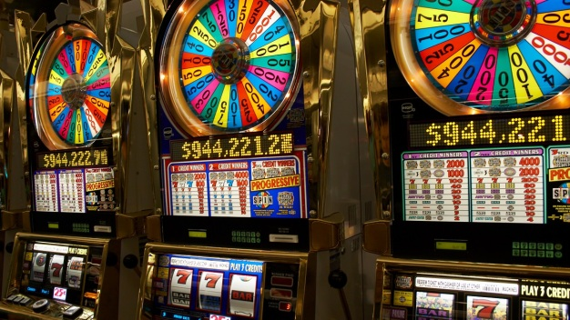 NBC10 at Issue: Slot Machines at Pennsylvania Restaurants?