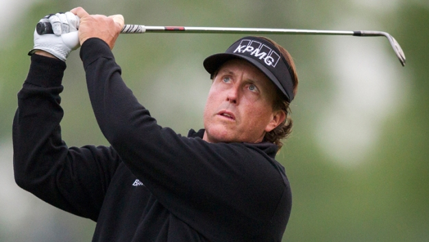 Phil Mickelson Leads After 3rd Round at U.S. Open