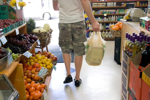 NYC Lawmakers Impose 5-Cent Disposable Bag Charge