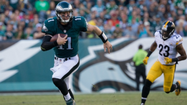 Carson Wentz Earns Rookie of the Month Honors