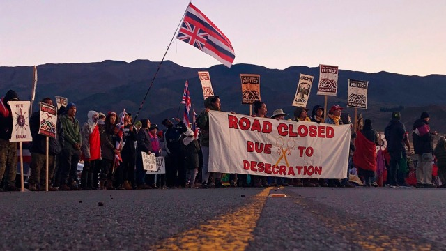 Hawaii Protesters Press on to Stop Telescope, Face Arrest