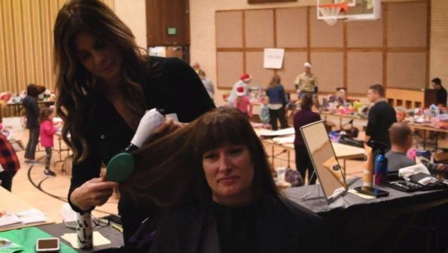 'The Voice' Stylist Gives Haircuts to Calif. Camp Fire Evacuees