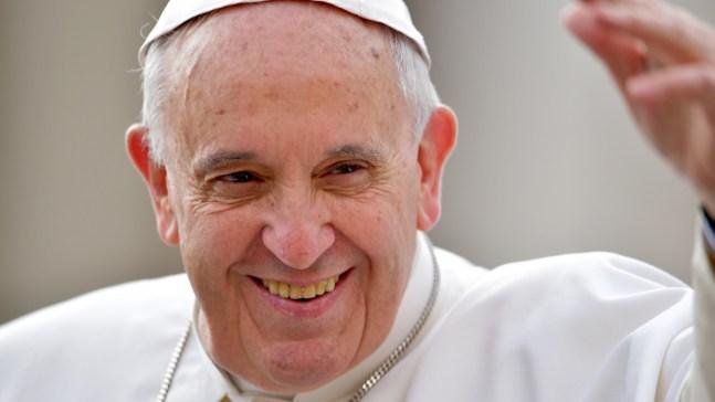 Pope's U.S. Visit Inspires Souvenir Sellers