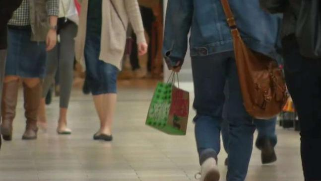 Clock Is Ticking for Last-Minute Christmas Shoppers