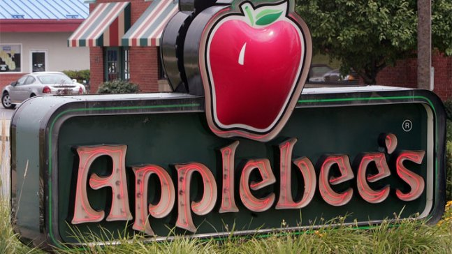 Man Burned by Food While Praying Can't Sue Applebee's: Court