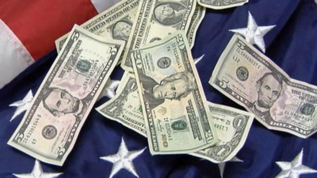 City Council Considers Raising Minimum Wage