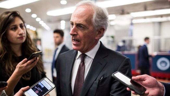 10 Senators Challenge Trump Over Tariffs