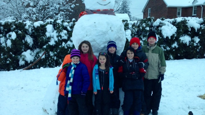 Neighborhood Kids Build 10-Foot Snowman
