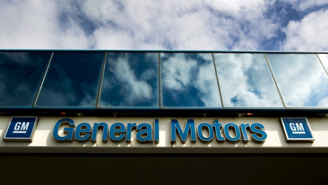 GM Fights to Retain Key Tax Credit Amid Plant Closing Plans