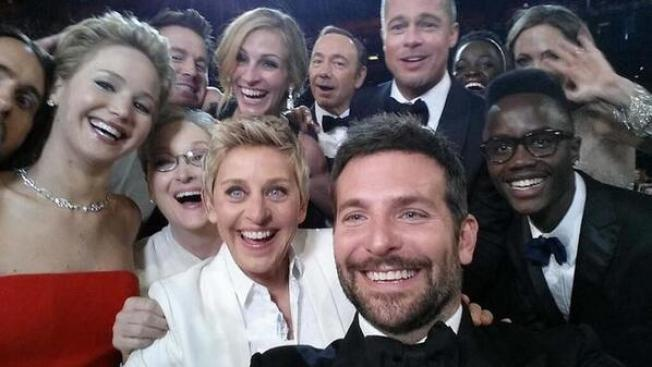 Ellen DeGeneres Knew Her Selfie Would Crash Twitter, Originally Planned to Crop Meryl Streep Out