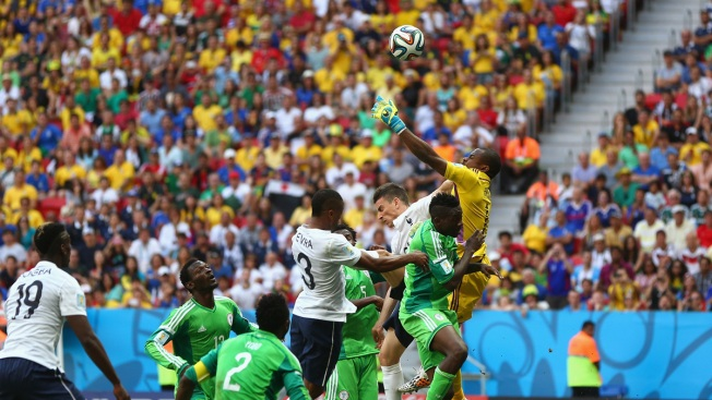 France Beats Nigeria 2-0 to Reach Quarterfinals