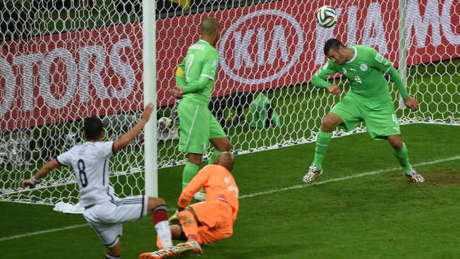 Germany Beats Algeria 2-1 in Extra Time