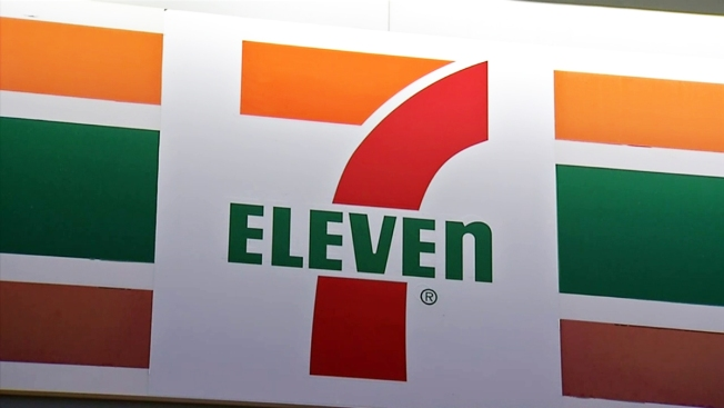 Armed Robber Sexually Assaults Clerk at Delaware 7-Eleven: Police