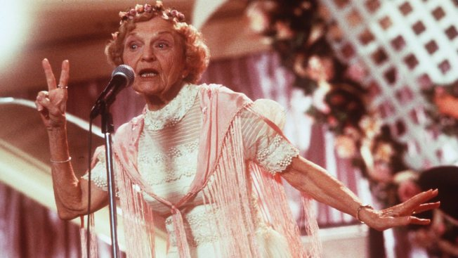 """Wedding Singer"" Grandmother Ellen Albertini Dow Dies at 101"