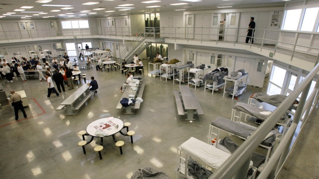 Immigration Detainees Continue Hunger Strike