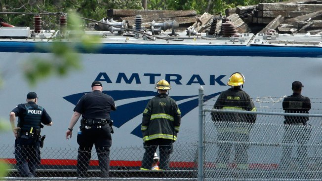Feds Investigating 5 Airlines for Price-Gouging After Amtrak Crash