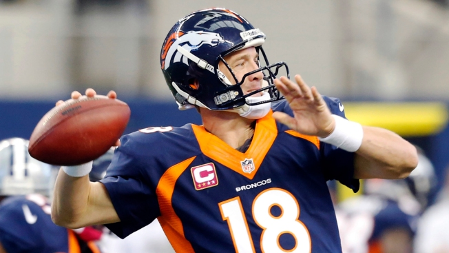 Manning Breaks Brees' Single-Season Passing Record