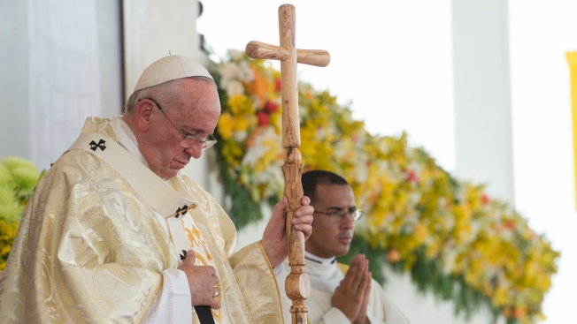 Pope Francis Urges Latin Americans to Unify, Spread the Faith