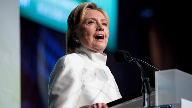 Clinton Asks Black Leaders to Protect Obama's Legacy