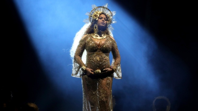 Beyonce Out of Coachella; Will Perform in 2018