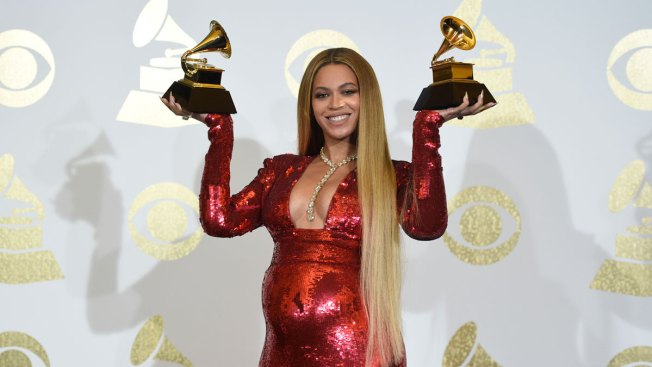 Beyonce Performs, Wins Best Urban Contemporary Album at Grammys
