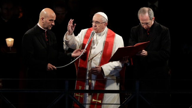 Pope Speaks of Humanity's 'Shame' in Good Friday Procession