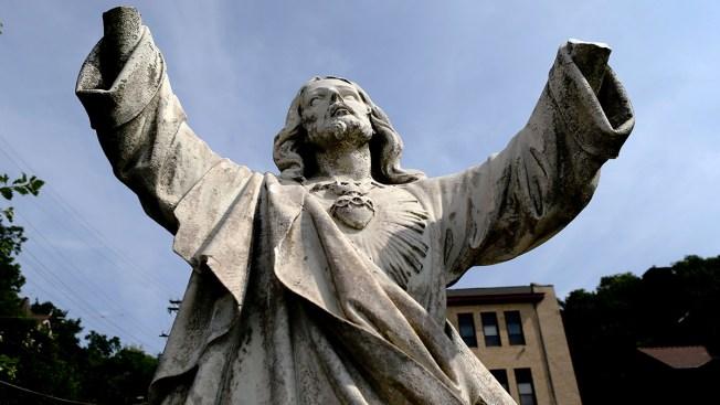 Vandal Breaks Hands Off Pennsylvania College's 100-Year-Old Jesus Statue