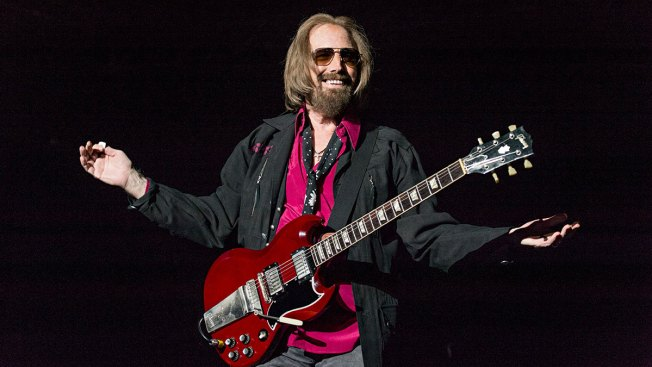 USA  rocker Tom Petty reported 'clinging to life'