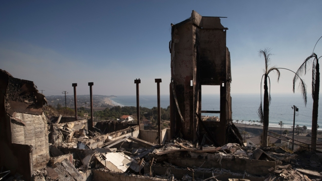 Woolsey Fire Destroyed at Least 670 Malibu Structures, Analysis Shows