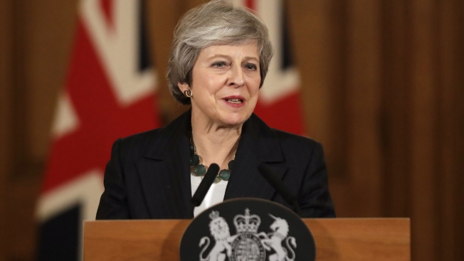 Defiant UK Leader Tells Critics It's Her Brexit Deal or Chaos