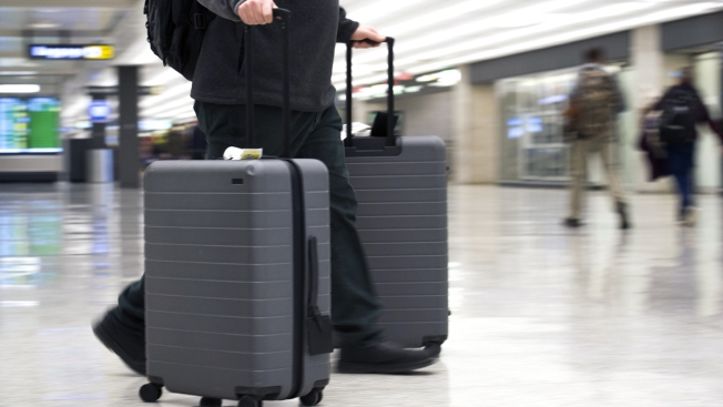 US Searches of Phones, Laptops at Airports Rising, Lawsuit Says