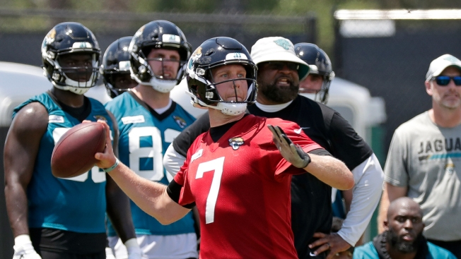 5104aa7ac11 Nick Foles Skipping OTAs With Jaguars for 'Personal Reason' - NBC 10 ...