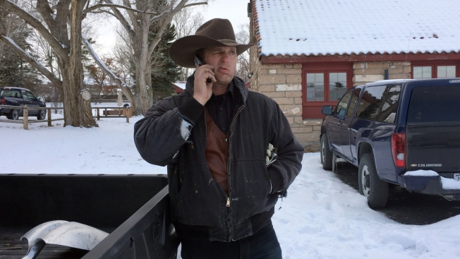 Supporters of Convicted Ranchers Occupy Fed. Wildlife Refuge HQ in Oregon