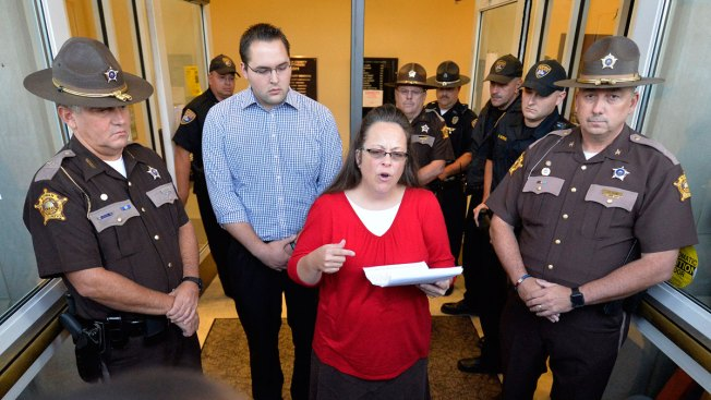 Kim Davis, Pope Had Private Meeting in D.C.
