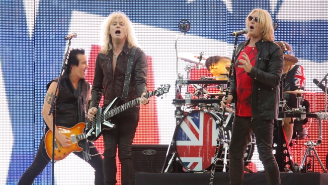 Def Leppard Postpones Tour Due to Illness