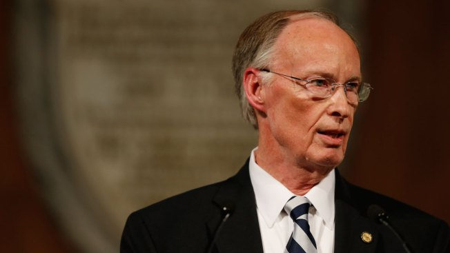 Alabama Governor Robert Bentley Refuses to Quit