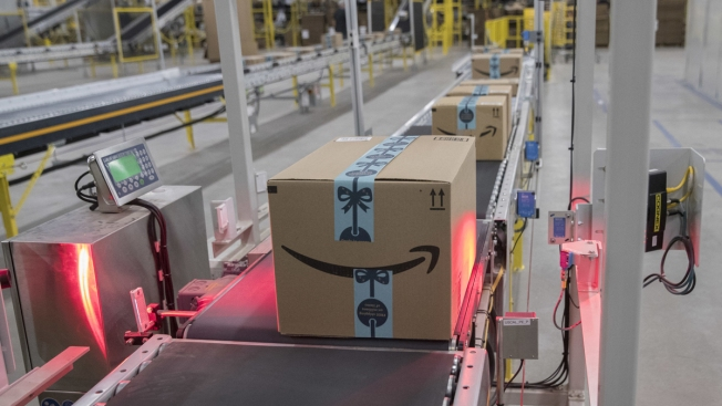 Amazon Tells Employees, We'll Pay You to Quit, Haul Packages