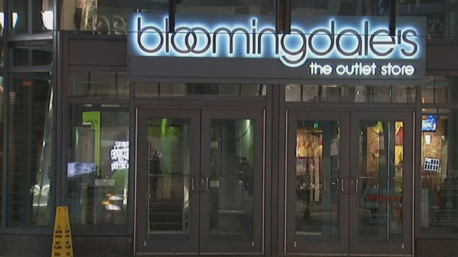 Masked Thieves Steal $4K Worth of Jeans From Center City Bloomingdale's: Police