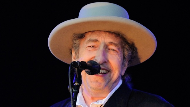 Bob Dylan Archives Land in Oklahoma, Near Guthrie Museum