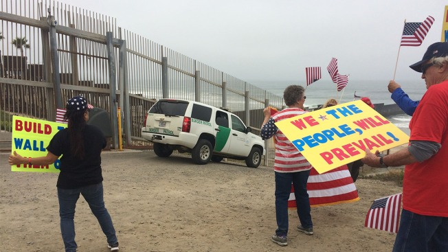 'Tear Down That Wall' Concert Held at US-Mexican Border